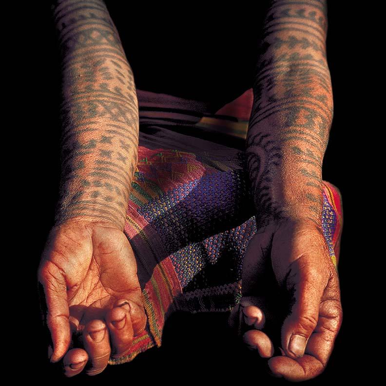 kalinga tribes woman tattoos tinglayan village luzon island philippines david howard photography. Black Bedroom Furniture Sets. Home Design Ideas
